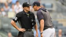 Boone, expulsado por insultar a umpire