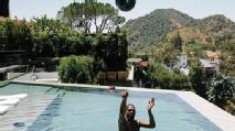 Cestas da piscina e bicicleta num pé só: Kevin Durant começa sua recuperação