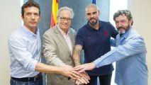 El Barcelona presenta a Valdés como entrenador del juvenil