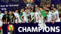 Copa Africana de Nações: Argélia campeã precisa repetir foto oficial após Slimani causar e Mahrez 'sumir'