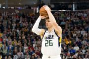 Korver agrees to one-year contract with Bucks