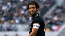Vela hits out at Zlatan: I'm playing better than you