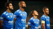 Cruzeiro também sofre para chegar à Argentina, e Dedé explica 'balançadas assustadoras'