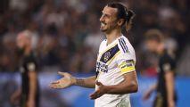Ibrahimovic enciende alarmas en la MLS por codazo a un oponente