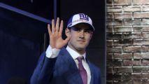 Giants firman a QB Daniel Jones, su selección colegial de 1a. ronda