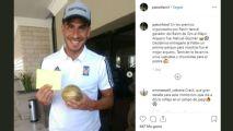 """Nahuel Guzmán recibe un """"Balón de Oro"""" de sus fans"""