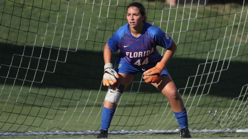 Gators upset No. 18 South Florida, remain undefeated