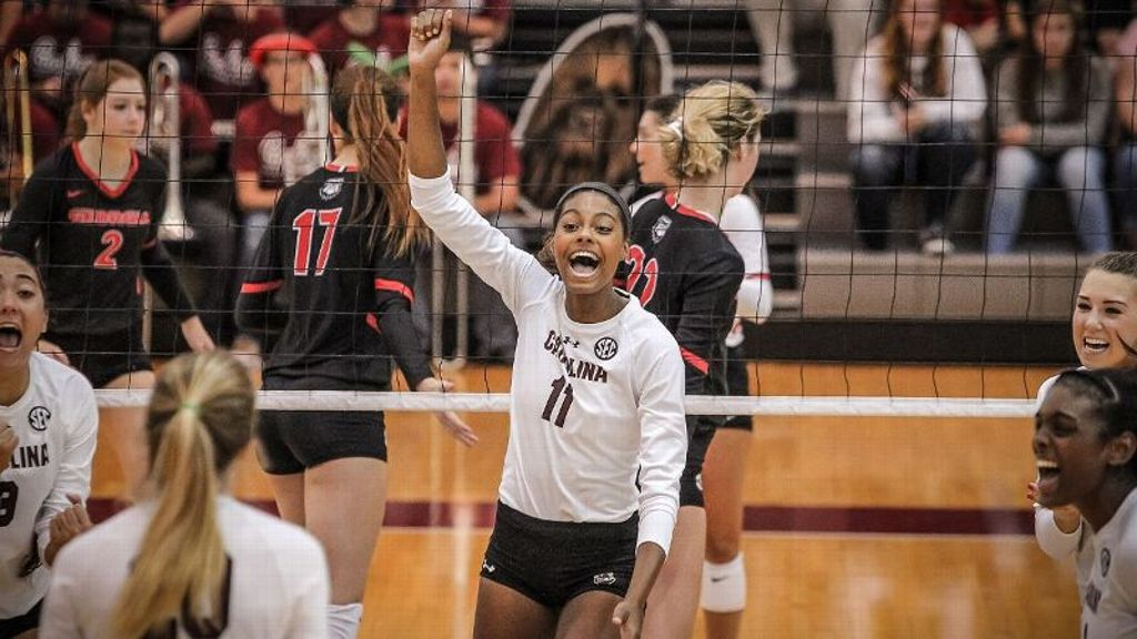 South Carolina gets their second sweep in a row at home