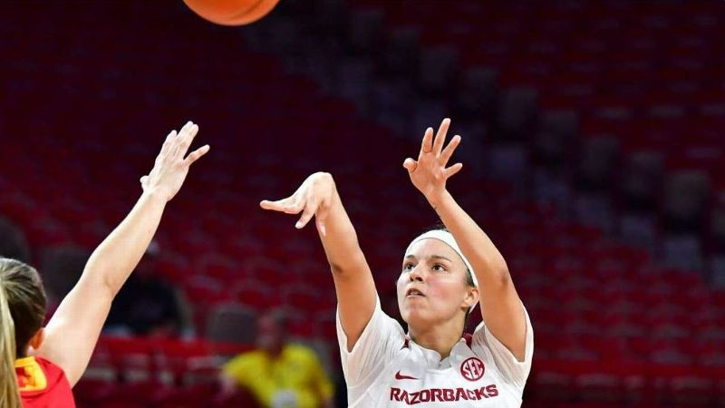Ramirez paces Razorbacks in 30-point win