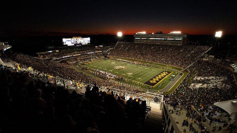 Missouri relieves Odom of coaching duties