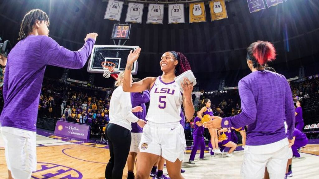 No. 25 LSU overwhelms Nicholls in 31-point blowout