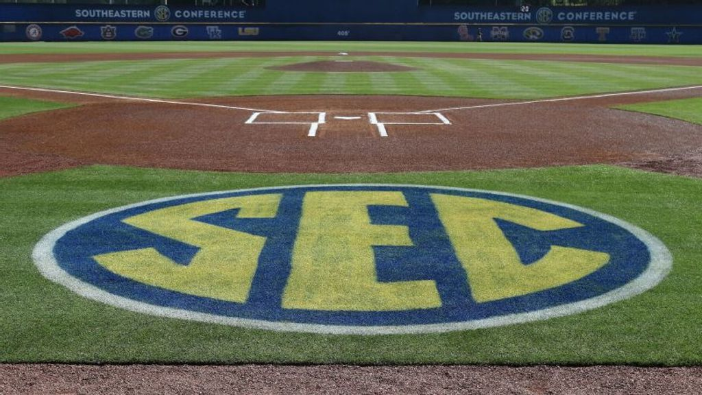 Preseason baseball poll ranks nine SEC teams in Top 25