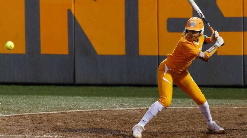 Lady Vols open the season with doubleheader sweep