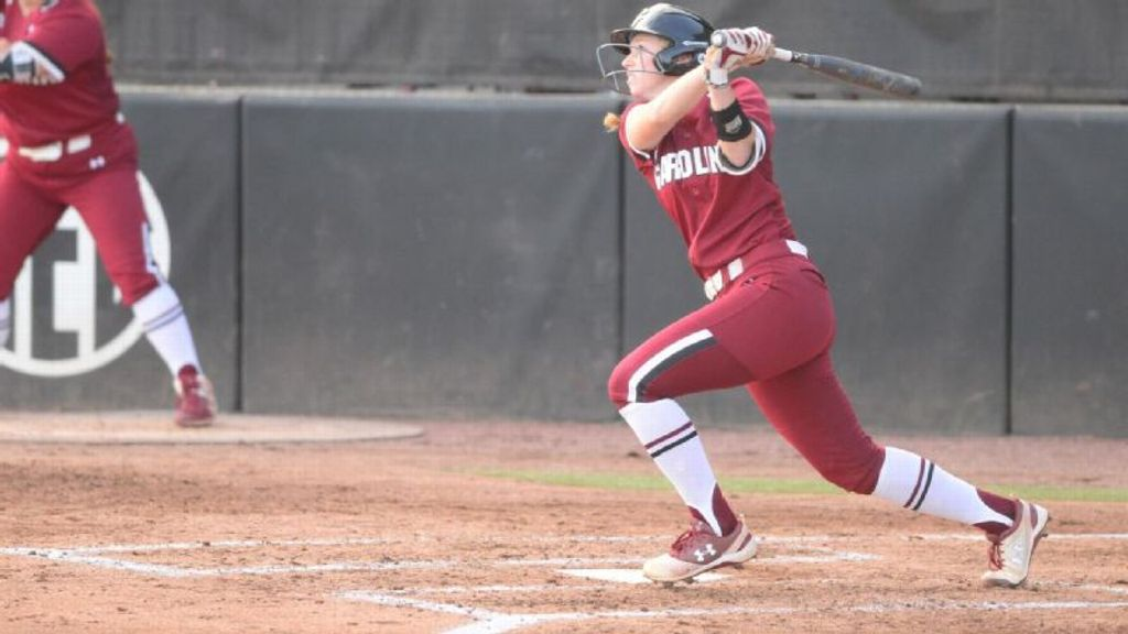 Johns hits walk-off double to top UNCG in extra innings