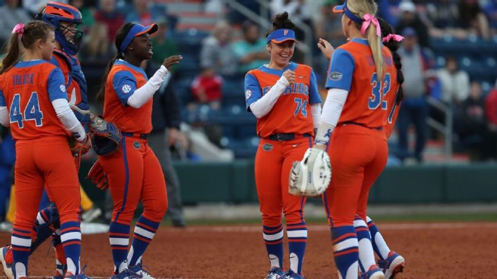 Gators close out Bubly Invitational with pair of wins