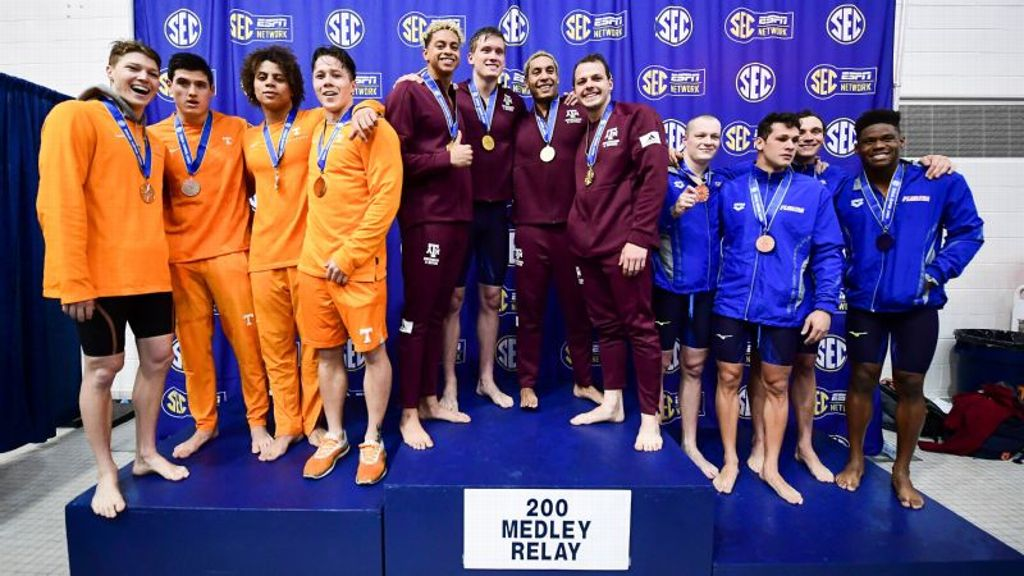 Aggies, Gators lead Swimming and Diving Championships