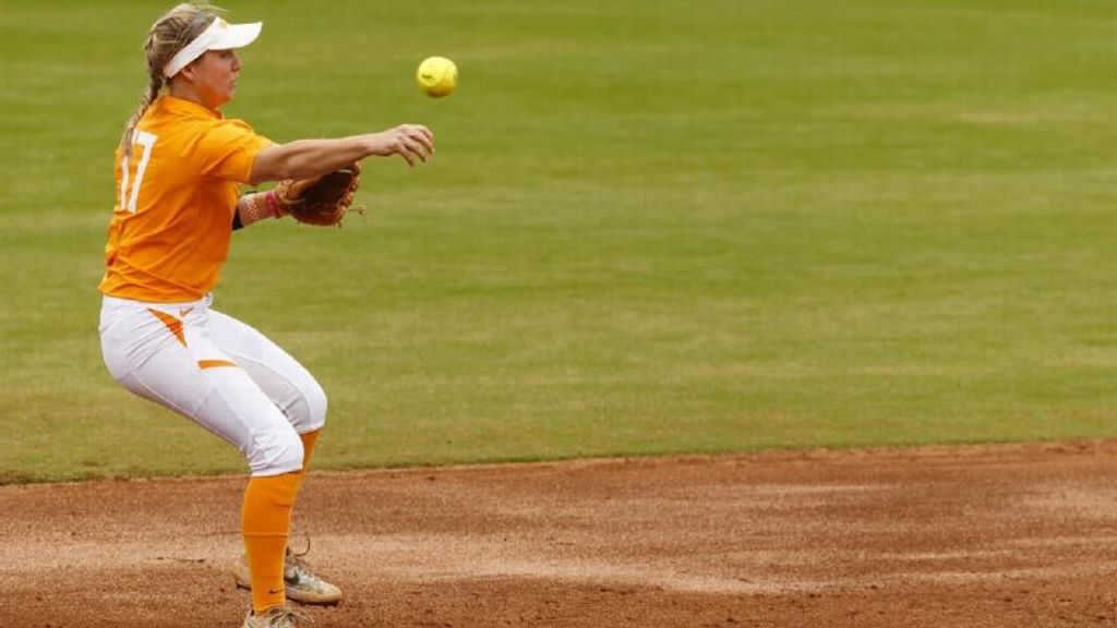 Tennessee falls short to USF despite late effort