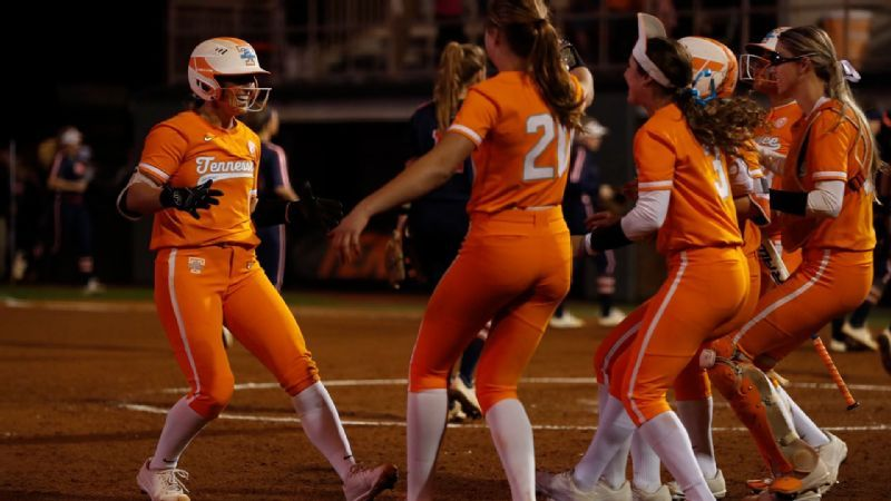 No. 22 Lady Vols win home opener with walk off