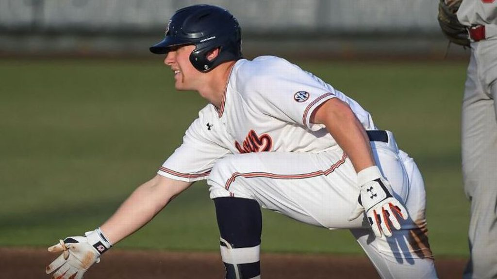 No. 17 Auburn pounds out 16-2 thumping of Chicago State