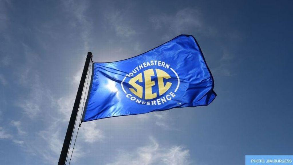 Davis named Aschoff SEC Communications intern