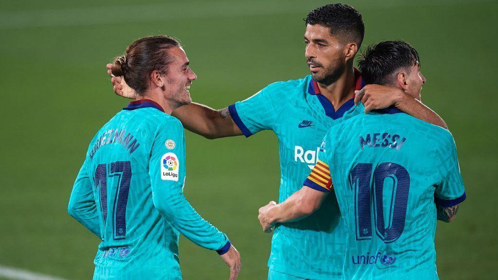 Messi, Griezmann e Suárez fazem 'chover' com golaços, Barcelona atropela o Villarreal e mantém esperança de título – ESPN.com.br
