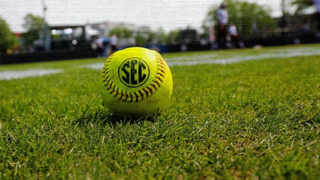Former SEC athletes playing in new softball league