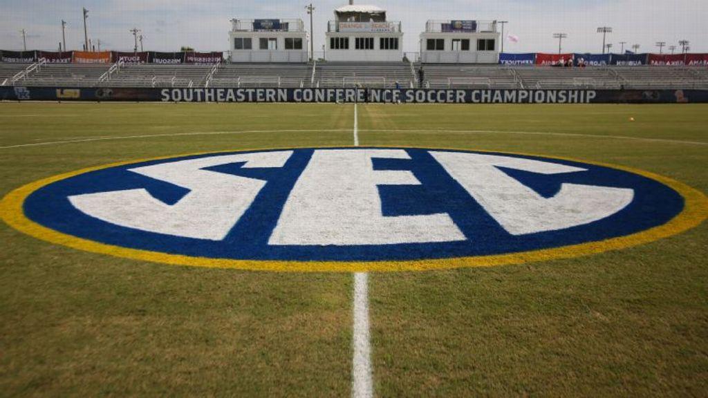 13 SEC soccer teams earn academic award