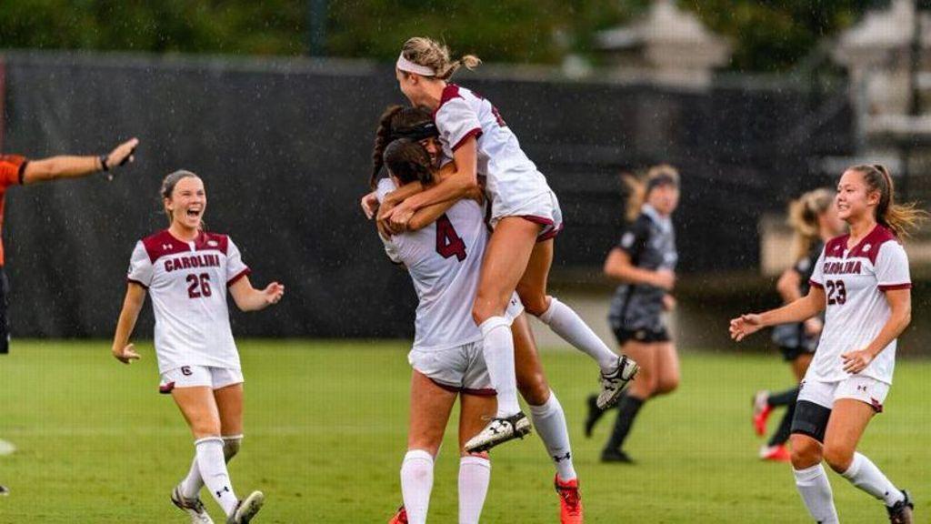 Four unanswered South Carolina goals swamp Missouri