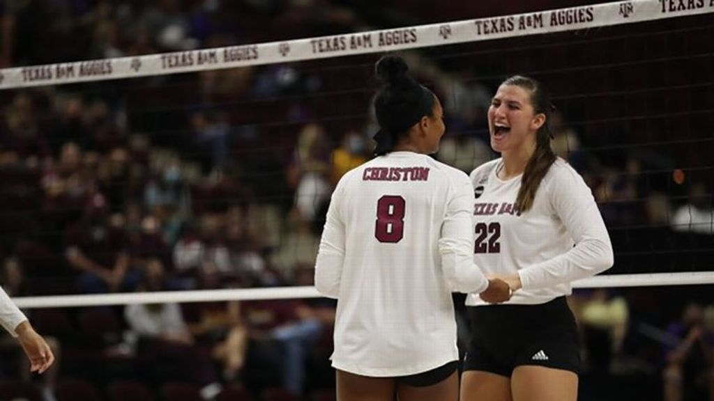 No. 7 Aggies earn first road victory of season