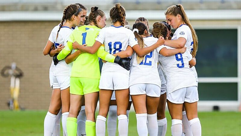 Wildcats' late goal results in tie with Auburn