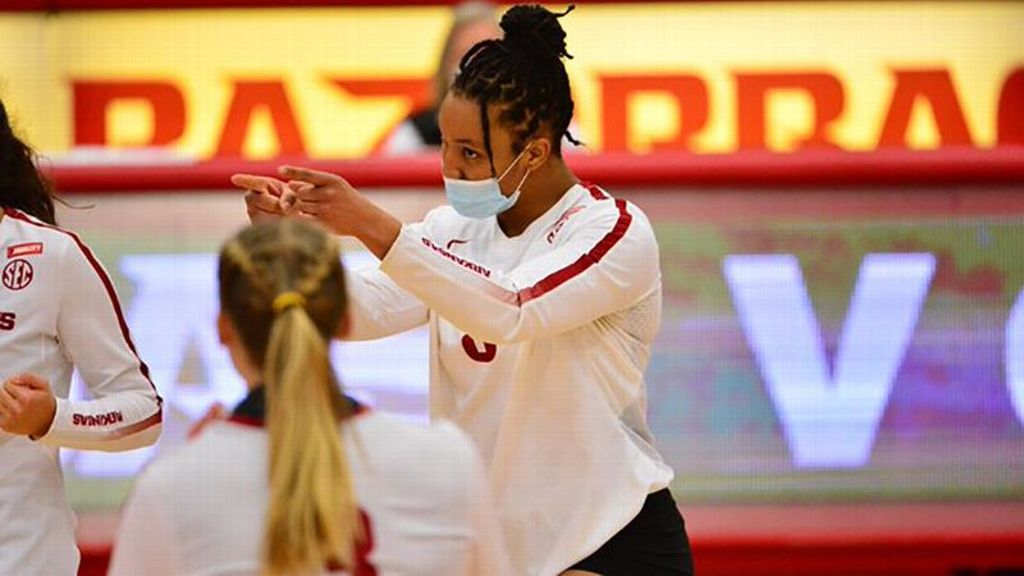 Hogs remain undefeated following sweep of Rebels