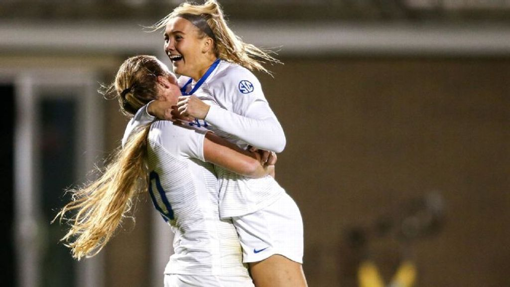 Rhodes' two goals power Kentucky past Florida 3-1
