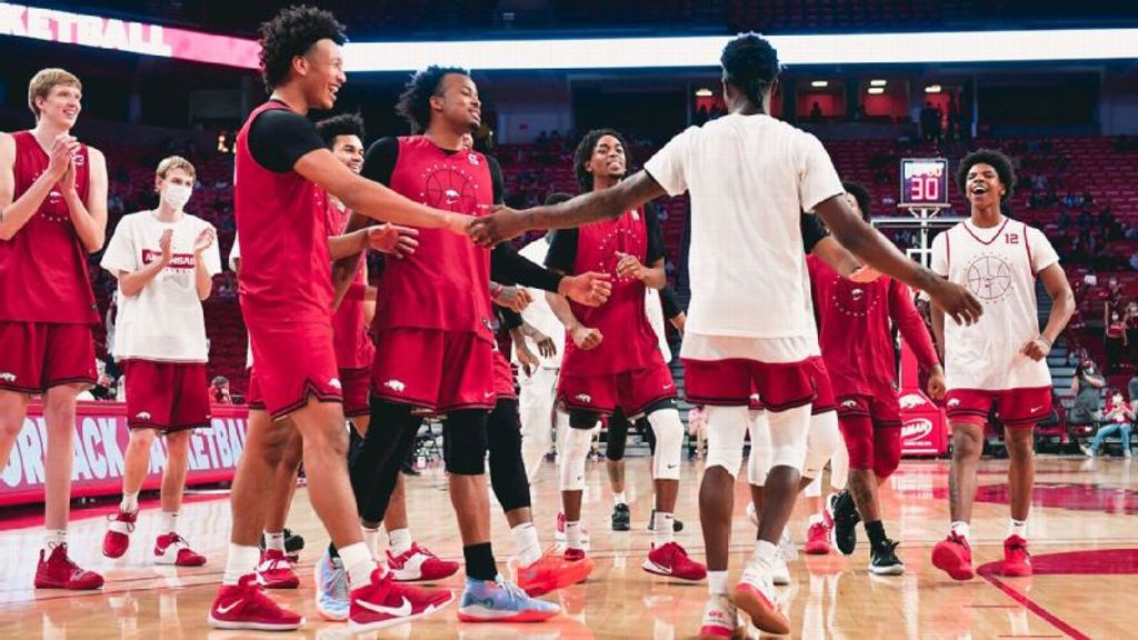 Red rolls over White, 103-67, in Arkansas scrimmage