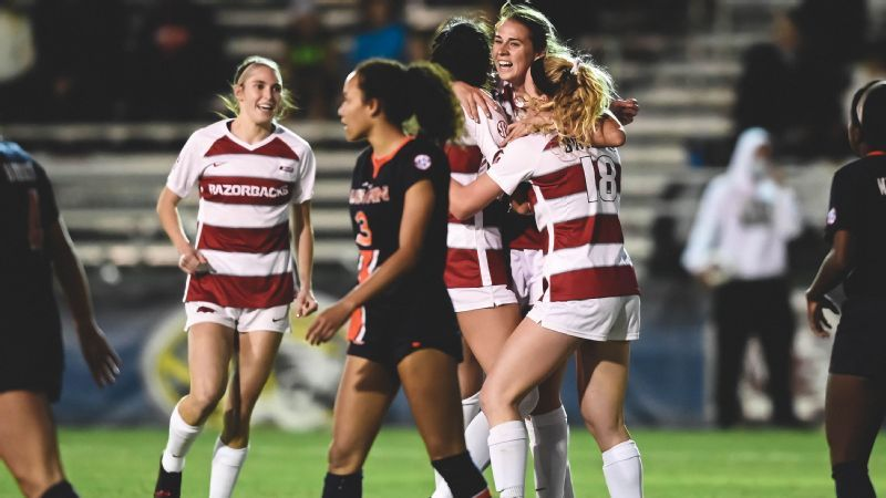 Hogs punch ticket to fifth-straight SEC semifinals