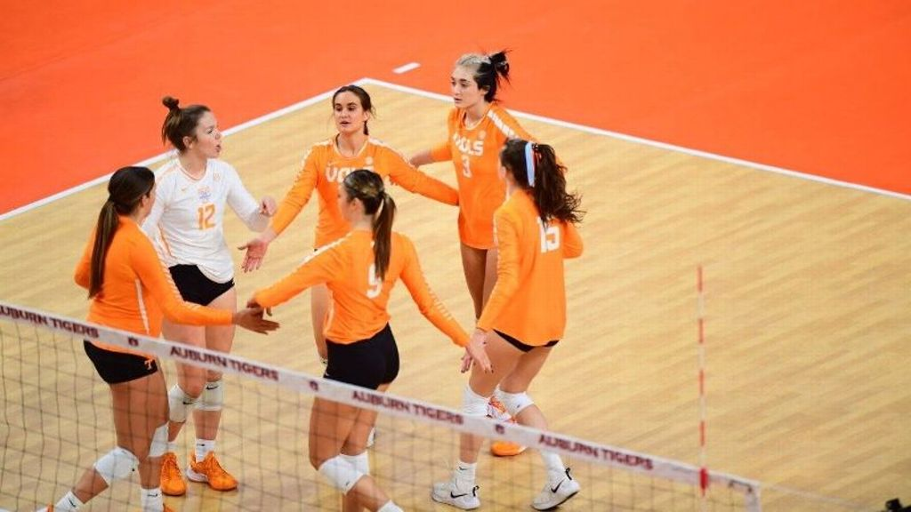 Tennessee gets back-to-back sweeps at Auburn