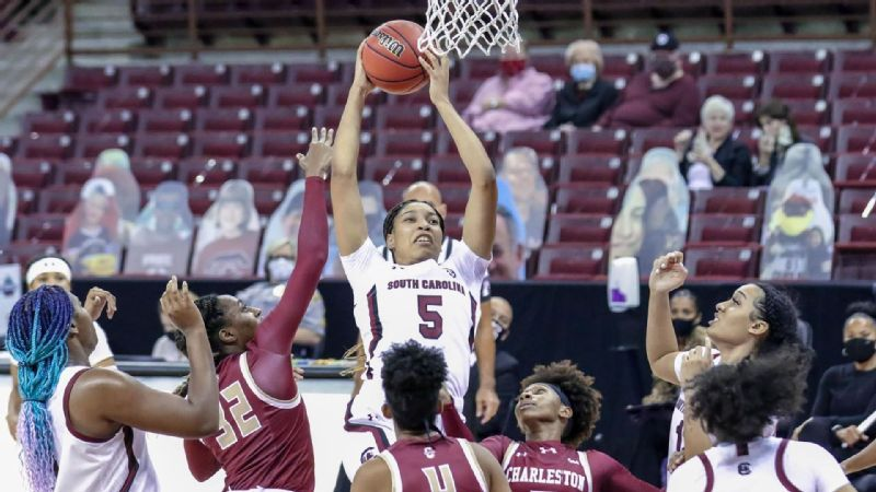 No. 1 South Carolina cooks up 119-38 rout of Charleston