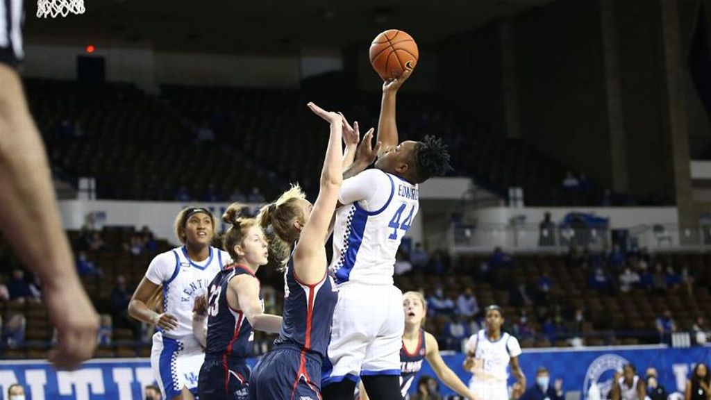 Edwards leads No. 11 UK to 70-50 rout of Belmont