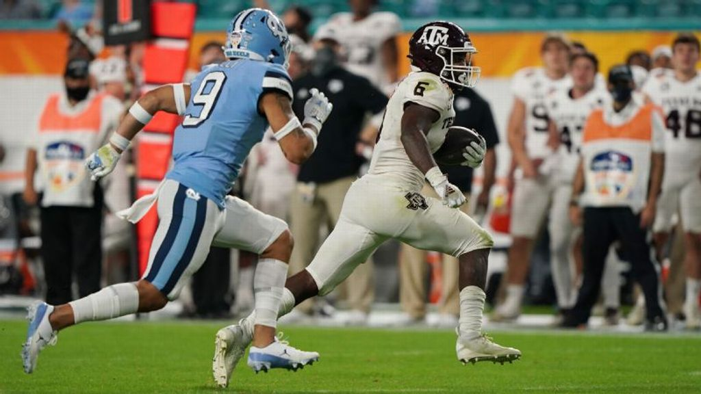 Aggies' huge 4th quarter helps secure win over UNC