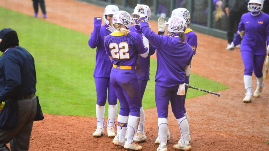 LSU offense explodes in run-rule over North Dakota