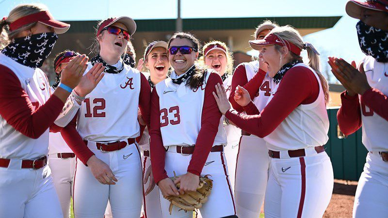 No. 6 Alabama explodes for run-rule win over No. 9 LSU