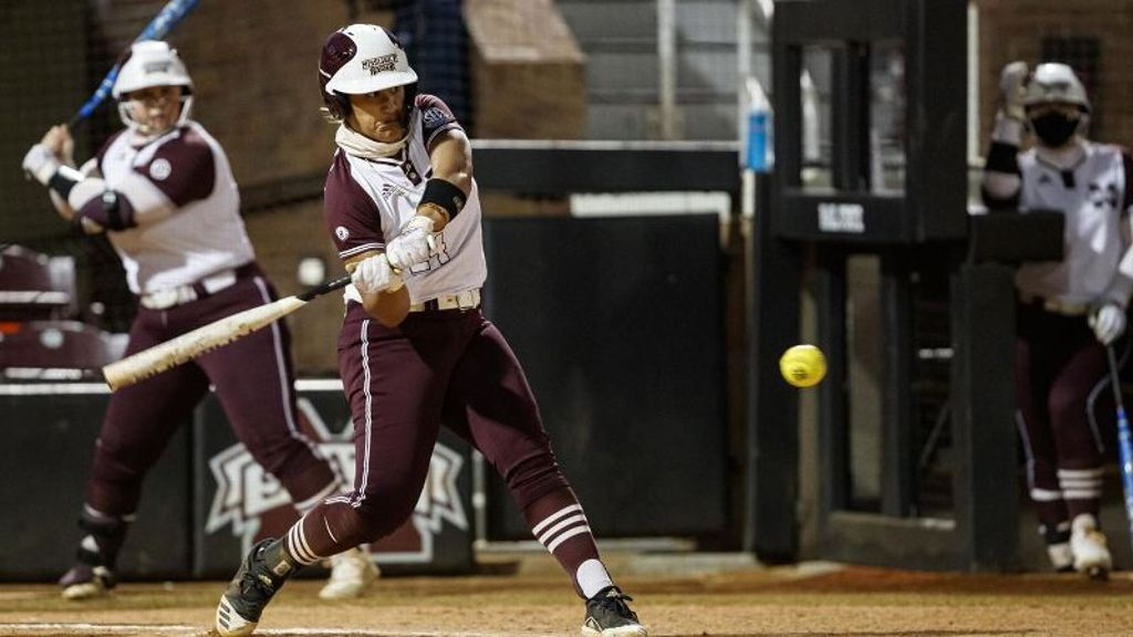 No. 25 Mississippi State splits pair with Texas State