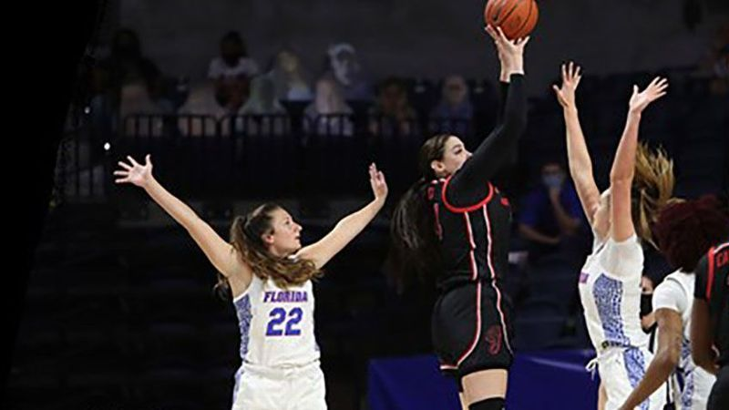 Lady Bulldogs end regular season with win over Gators