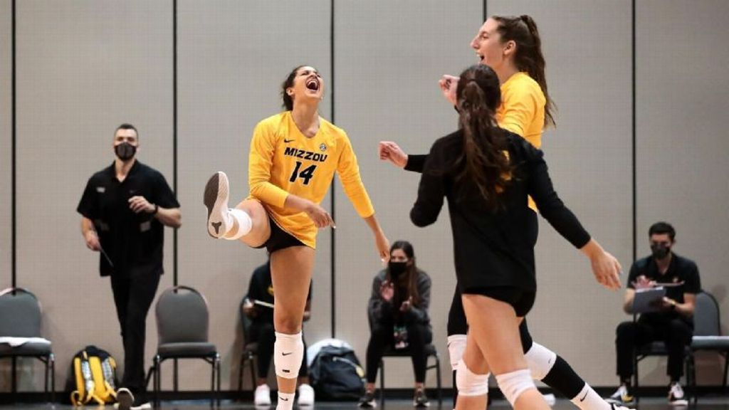 Mizzou sweeps South Dakota to open NCAA Tournament