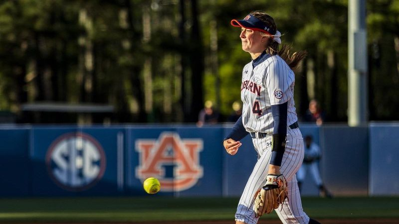 UK's errors allow Auburn to clinch series