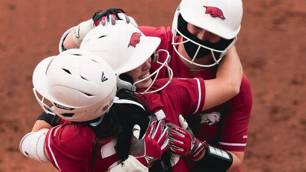 Arkansas earns fifth SEC series sweep of season