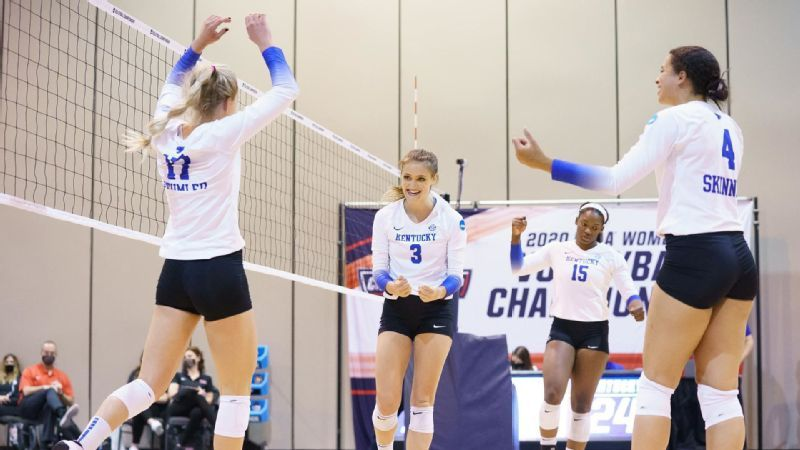 Kentucky punches Elite Eight ticket with sweep of WKU