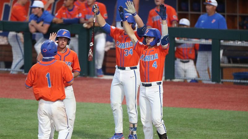 No. 10 Florida uses big fifth inning to subdue Stetson