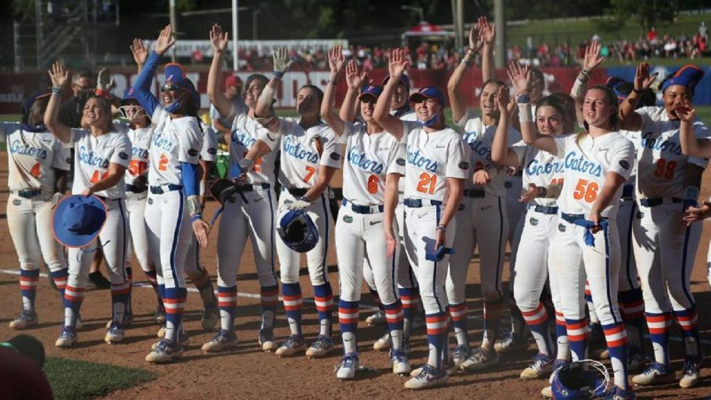 Hoover's walk-off thrusts Florida into SEC title game