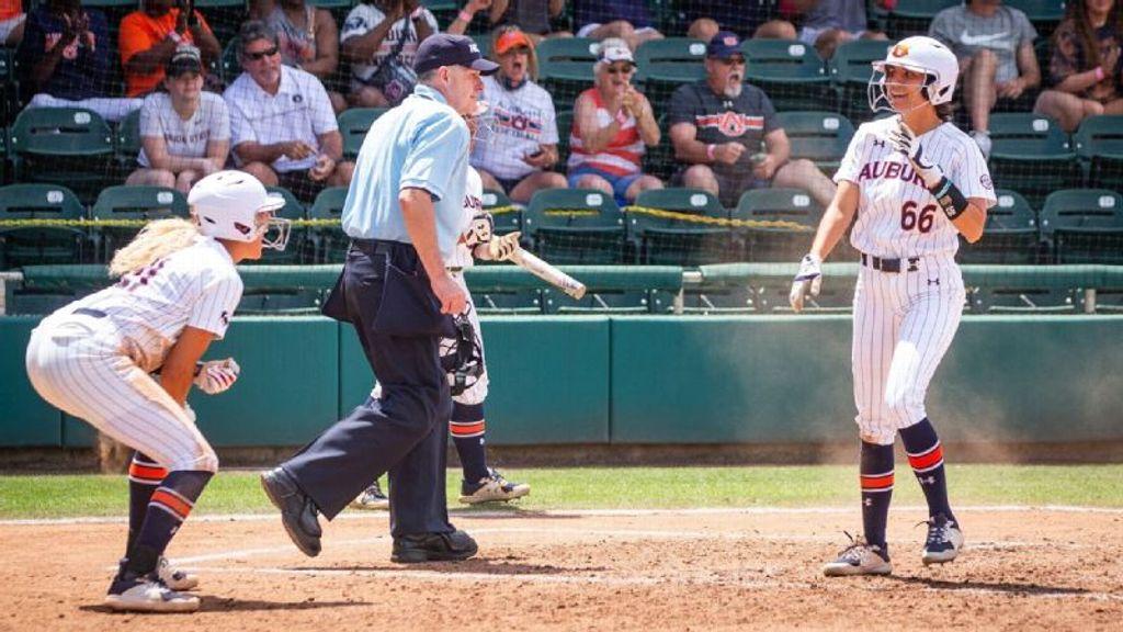 Auburn's comeback bid falls short vs. UCF