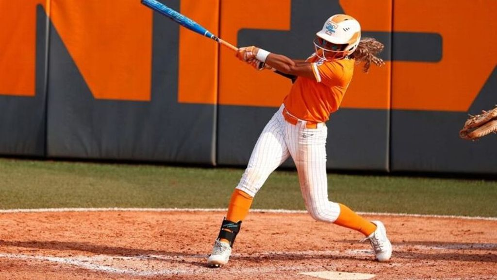 Lady Vols open tournament with 8-1 triumph over EKU